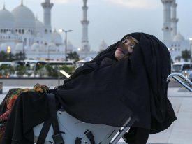 شاهد .. أول صورة للإماراتية التي أفاقت من غيبوبة استمرت 27 عاماً .. والكشف عن تفاصيل الحادث المؤلم