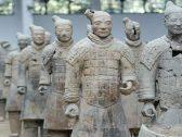 اللغز الذي حير الجميع.. أخيرًا العلماء يكشفون سر بقاء أسلحة الجيش الطيني محفوظة بلمعانها في الصين!