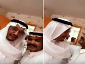 وزير التعليم يفاجئ معلماً بزيارته في فصله.. شاهد ما حدث!