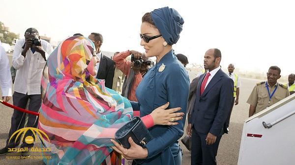 تمتلك منتجعات في دول عديدة وصديقة للشيخة موزة .. هل كانت زوجة البشير الثانية سبباً في عزله ؟