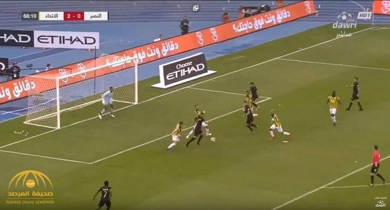 """بالفيديو : في مباراة مثيرة .. """"النصر"""" يخسر أمام """"الاتحاد"""" بثلاثة أهداف ويفقد الصدارة"""