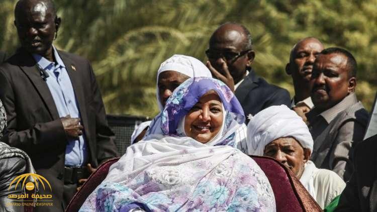 ماذا فعلت زوجة البشير  وشقيقه قبل سقوط الرئيس بيوم واحد؟