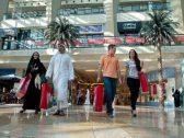الإمارات تعتمد قرارًا جديدا بشأن استقدام أسر العاملين الأجانب!