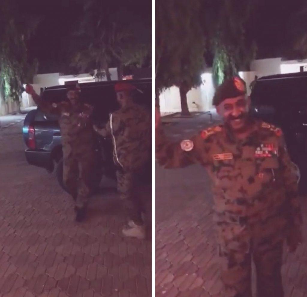 شاهد.. أسرة الرئيس السوداني الجديد تستقبله بالزغاريد!