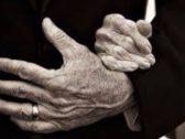 واقعة وفاة غريبة لزوجين في السبعينيات من عمرهما بعد 45 عاما من العشرة!