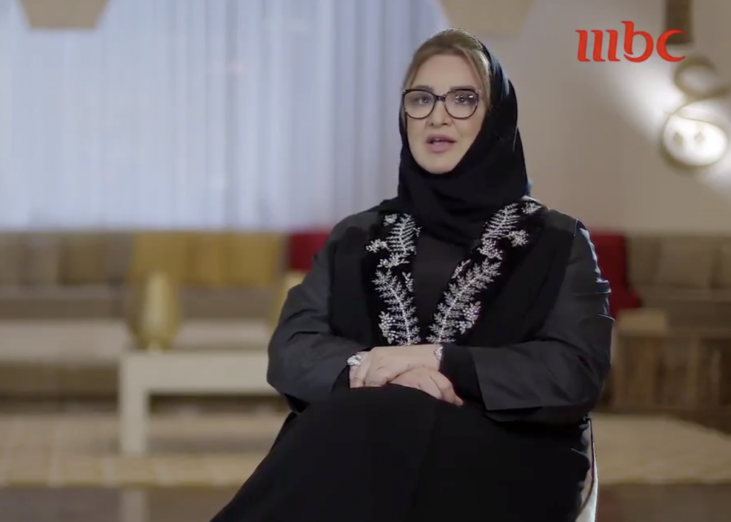 """بعد غياب 35 عامًا .. """" عزيزة جلال"""" تغني """"مستنياك"""" وتكشف تفاصيل تذاع لأول مرة -فيديو"""