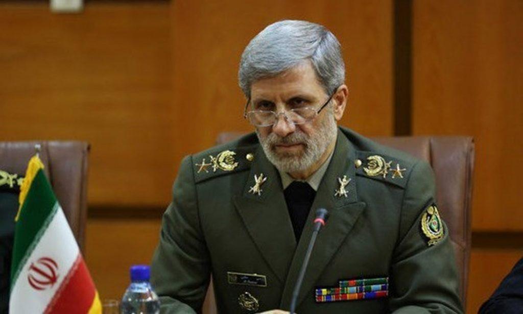 """بعد وصول حاملة طائرات أمريكية إلى منطقة الخليج … وزير الدفاع الإيراني يعلق على"""" الحالة الدفاعية"""" لبلاده"""