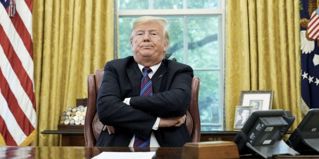 """مفاجأة .. مسؤول إيراني يتصل بـ""""ترامب"""" بتكليف من """"خامنئي"""".. والرئيس الأمريكي يرفض  التحدث معه !"""