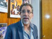 """بعدما ترددت هذه الأنباء.. خالد يوسف الهارب من قضية الفيديوهات الإباحية: """"اللي عندي ولا حتى حكومات الدول تقدر تشتريه""""!"""