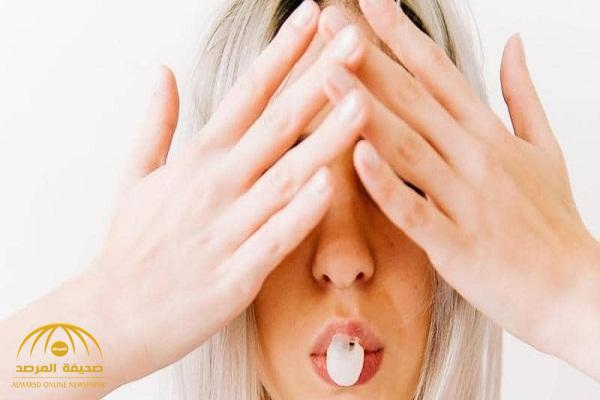 تحذير.. مادة خطيرة في العلكة تسبب السرطان