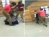 ضرب وسحل من الشعر.. شاهد: رجال يعتدون على امرأة وسط شارع عام في الهند