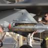 """شاهد.. إقلاع المقاتلة الأمريكية """" F-35A""""مع حمولة أسلحة كاملة في استعراض للقوة بالقرب من الحدود الإيرانية"""