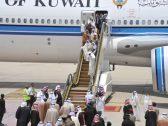 """شاهد بالصور: الأمير """"خالد الفيصل"""" يستقبل أمير الكويت لحظة وصوله إلى مطار جدة"""