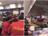 شاهد: ازدحام وتدافع ضخم داخل محل حلويات في الكويت
