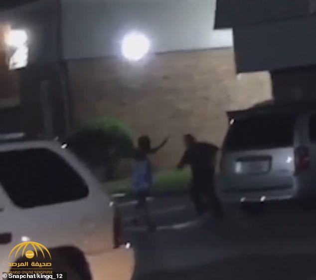 """شاهد : ضابط أمريكي يقتل امرأة حامل سوداء بطريقة وحشية في مدينة """"باي تاون"""" الأمريكية!"""
