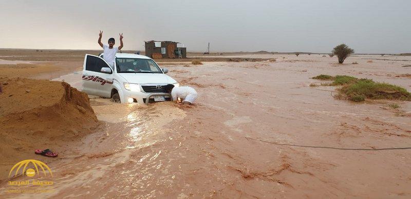 """أمطار غزيرة وسيول في الرياض بسبب """"الكنة"""".. ومفاجأة حول مدتها (صور)"""