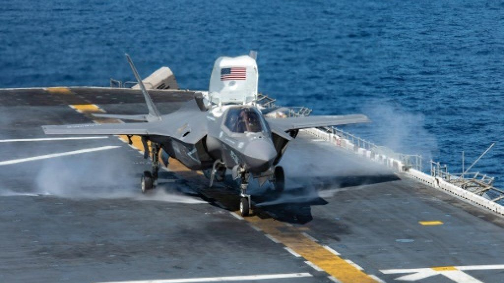 صحيفة إسرائيلية : الوضع يتجه إلى التصعيد بين أمريكا وإيران .. ونذر حرب كبرى وشيكة في الخليج