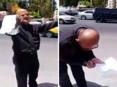 شاهد بالفيديو.. أردني يحرق شهادته الدكتوراة في الشارع وأمام المارة.. ويكشف عن السبب!