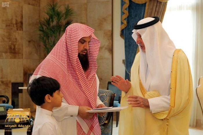 بالصور : الأمير خالد الفيصل يُعزي الدكتور الشهري في وفاة زوجته وأبنائه