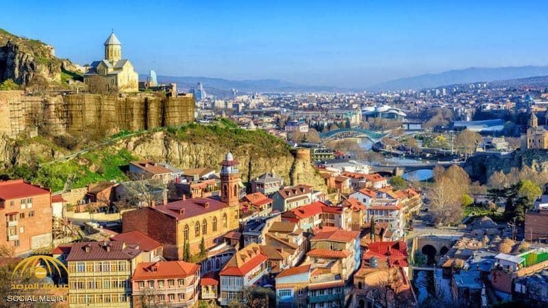 """""""لؤلؤة القوقاز"""".. وجهة سياحية جديدة تسحب البساط من تركيا!"""