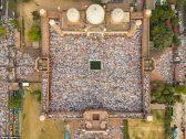 شاهد.. صور مثيرة لمظاهر احتفال مسلمي الهند بعيد الفطر في أكبر مساجد نيو ديلهي