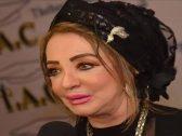 """شاهد : الفنانة """"شهيرة"""" تفاجئ جمهورها  بخلع الحجاب وتظهر شعرها الطويل!"""