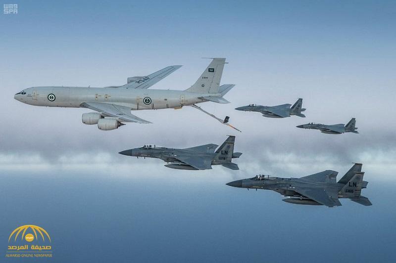 """شاهد .. تحليق """"مهيب"""" لطائرات القوات الجوية السعودية ونظيرتها الأميركية على منطقة الخليج العربي"""