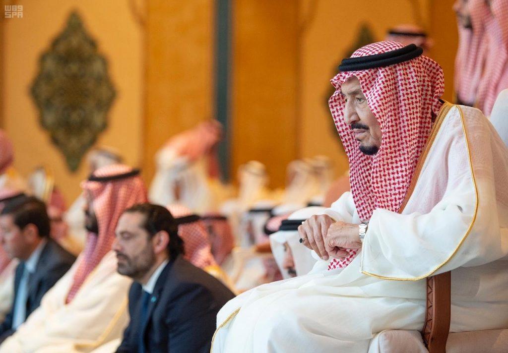 بالصور .. خادم الحرمين وولي العهد يُصليان العيد بالمسجد الحرام