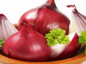 البصل الأحمر يتحدى سرطان أورام الأمعاء!