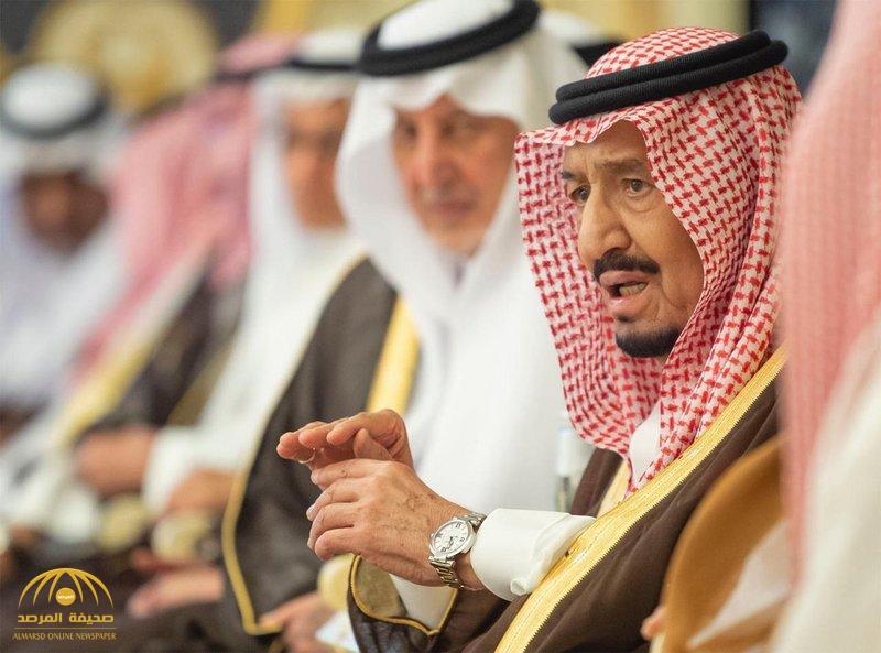 بالصور.. خادم الحرمين يستقبل أصحاب السمو والفضيلة والمعالي وجمعاً من المواطنين!