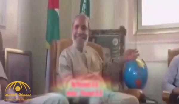 """شاهد .. مقطع مسرب للفلسطيني الإخواني """"محمود الزهار"""" : فلسطين لنا مجرد سواك أسنان !"""