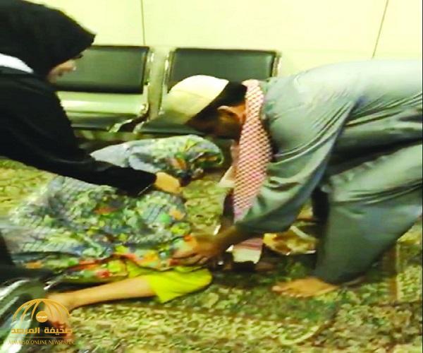 شاهد.. رد فعل مسنة تاهت في الحرم المكي وبعد فقدان الأمل وجدت ابنها أمامها!