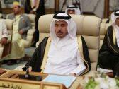"""صورة ترصد لحظة """"نوم"""" رئيس الوزراء القطري أثناء مشاركته في قمم مكة"""