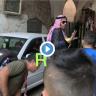 """شاهد .. فلسطينيون يعتدون على سعودي بـ""""الشتم والبصق"""" بسبب زيارته القدس وصلاته في الأقصى"""
