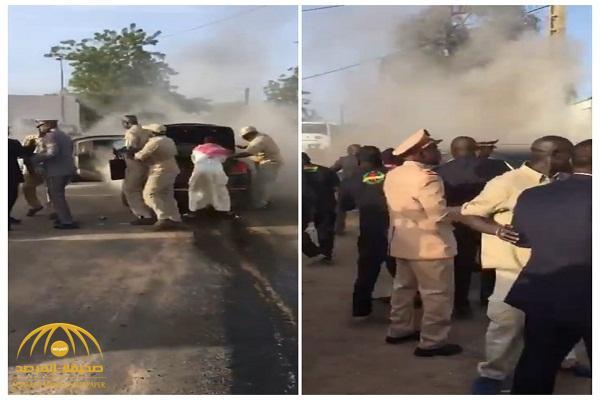 بالفيديو: نجاة الرئيس السنغالي من الموت بعد احتراق سيارته وهو بداخلها !