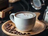 تقرير: طاقم الطائرة لا يشرب الشاي والقهوة على عكس المسافرين.. والسبب صادم
