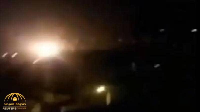 شاهد.. لحظة تحطم طائرة عسكرية فوق المنازل في باكستان.. ووفاة كل من على متنها!