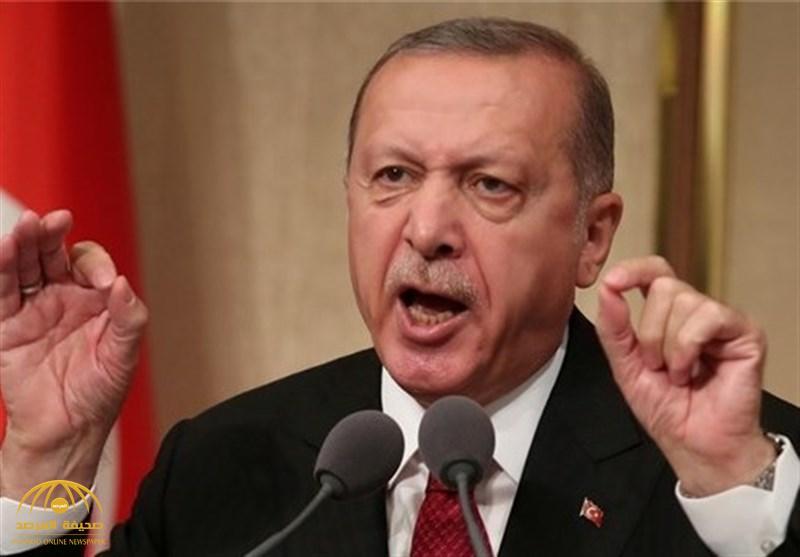 """""""أردوغان"""" يُصعّد ضد أمريكا ويتهمها بـ""""السرقة"""".. ويضرب مثالًا بـ""""بائع الساعات""""!"""