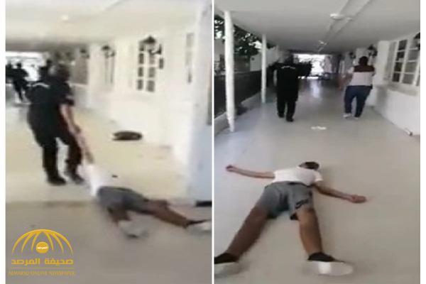 شاهد.. رجل أمن تونسي يسحل طالبًا جامعيا!