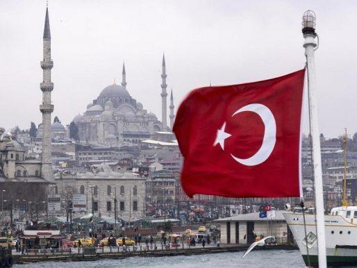 بعدما  أعطتهم الأمان .. تركيا تنقلب على اللاجئين السوريين وتعلن طردهم إلى بلادهم