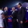 """منسق المنتخب الجزائري يكشف ملابسات عدم مصافحة محرز لـ""""رئيس الوزراء المصري"""" – فيديو"""