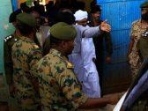 السلطات السودانية تخلي سبيل عمر البشير لساعات محددة.. والكشف عن السبب!