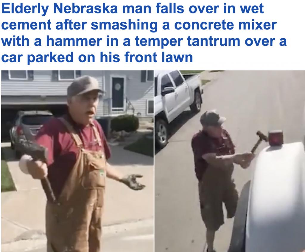 """شاهد.. ردة فعل مسن أمريكي بعد أن وقفت سيارة """"بيك آب""""على عشب أمام منزله !"""