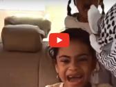 """شاهد : بسبب هذا المقطع """" التمثيلي"""" السلطات العمانية تلقي القبض على الشابين الملثمين داخل السيارة !"""