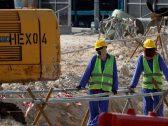 """نيبال فقدت 1426 عاملا.. صحيفة بريطانية  تفضح """"معاناة"""" عمال المونديال في قطر"""