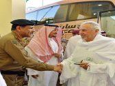 بالصور .. أمير مكة يصل إلى مشعر منى محرما للوقوف ميدانياً على الخدمات المقدمة للحجاج