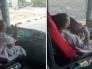 """أول تعليق من النقابة العامة للسيارات على مقطع متداول لـ """"سائق"""" حافلة حجاج يقوم بتصرفات غريبة!-فيديو"""
