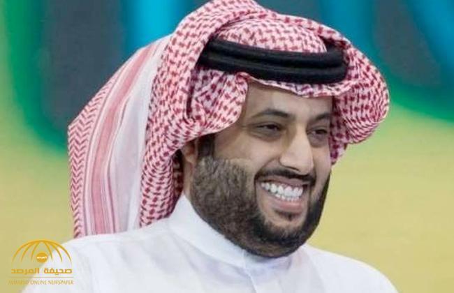 """شاهد .. """"آل الشيخ"""" يعيد نشر صورة له ساخرة في أحد المطاعم.. ويعلق """"عاوز نسبتي"""""""