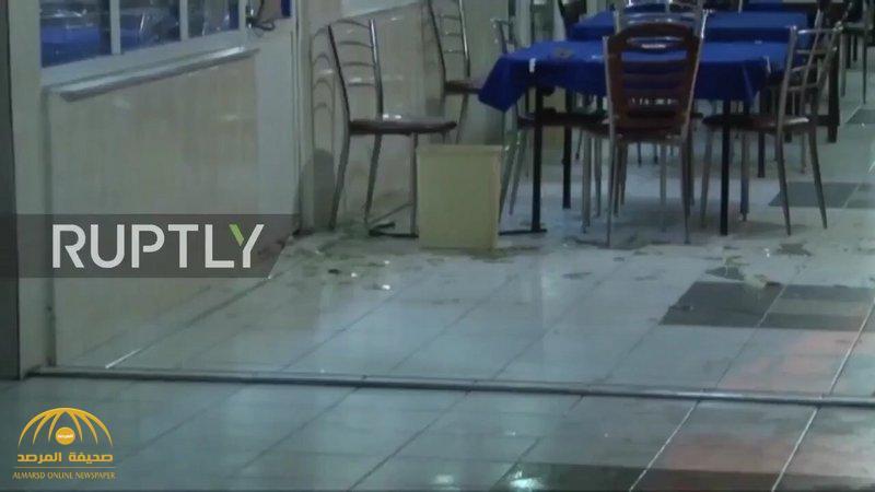 شاهد .. فيديو يوثق الاعتداء على سعوديين  في مقهى بتركيا والسفارة تطلق تحذيرها السادس!