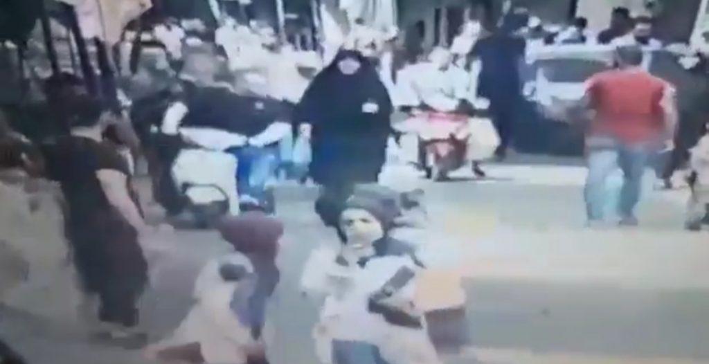 شاهد.. لحظة اغتيال ناشط فلسطيني في شوارع لبنان